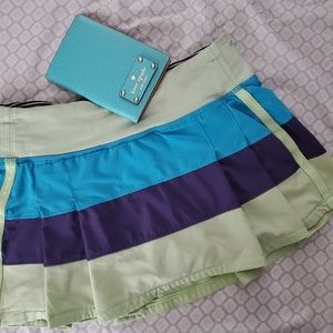 Size 4 Seawheeze exclusive color block skirt.